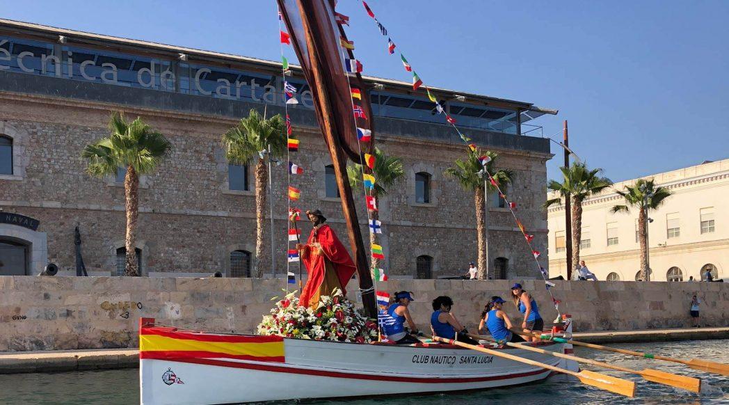 Apósto Santiago por la dársena de Cartagena